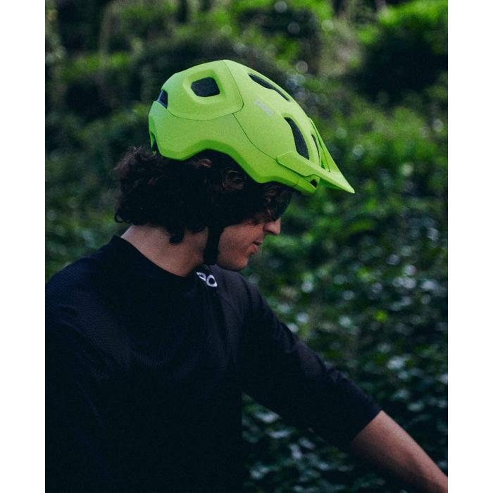 Cyklistická helma POC Axion SPIN  Fluorescent Yellow/Green